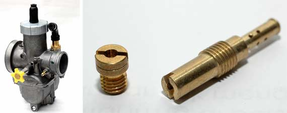 Pakai PE28 hasil bakal lebih maksimal (kiri). Untuk karburator standar, spuyer dinaikkan 1 - 2 step sesuai permintaan mesin (kanan).