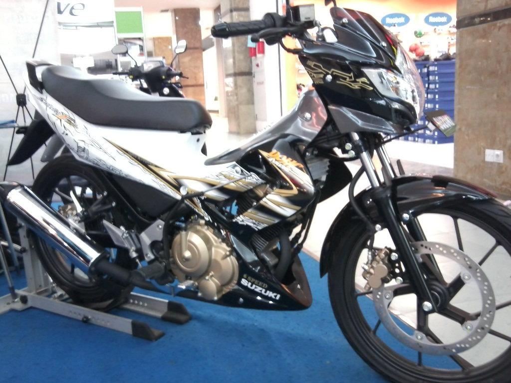 Update Warna Biru Putih Suzuki Satria Fu 2011  Motorcycle