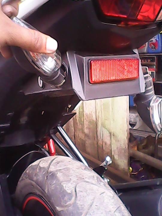 DIY-mengganti-spakbor-new-vixion-lightning-dengan-ninja-150-RR-1