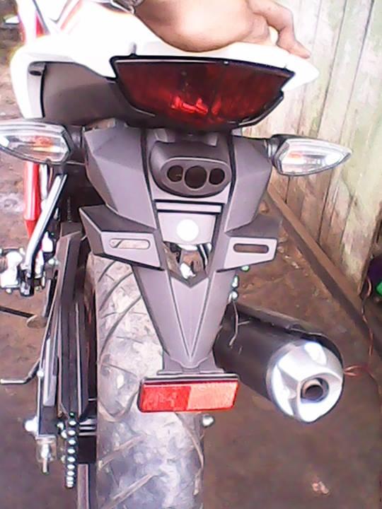 DIY-mengganti-spakbor-new-vixion-lightning-dengan-ninja-150-RR-4