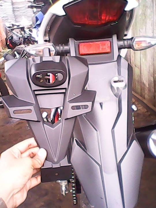 DIY-mengganti-spakbor-new-vixion-lightning-dengan-ninja-150-RR