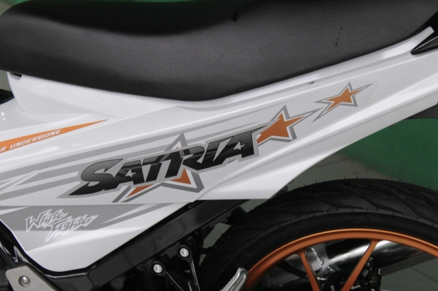 suzuki-satria-fu150-white-fighter (4)